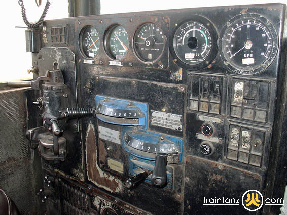 ND5典型的美式司机操控台