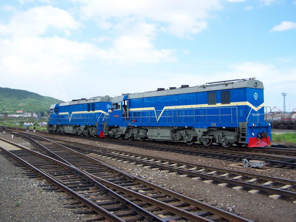 东风10DD型调车内燃机车-蓝色