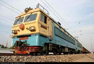 韶山4改型(ss4g)货运电力机车0166b