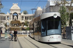 马赛有轨电车Flexity Outlook trams for Marseille