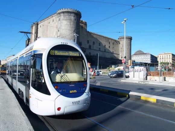 Naples轻轨采用架空线造成的景观影响