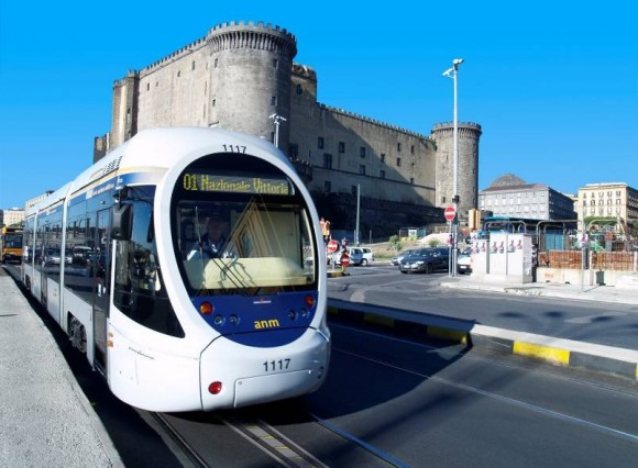 Naples轻轨采用TramWave产生的景观效果